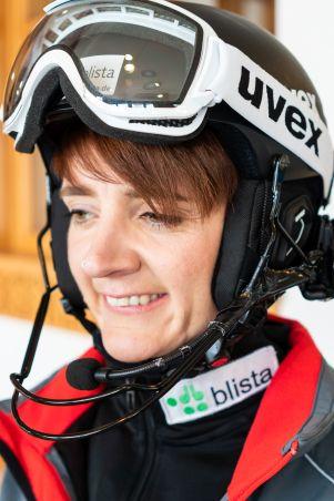 Portraitfoto von Noemi Ristau in Ski-Uniform